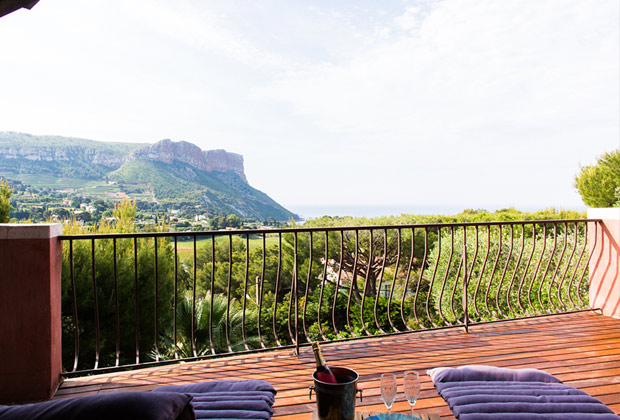 The Pebble Room - The terrasse with the panoramic view of Cassis